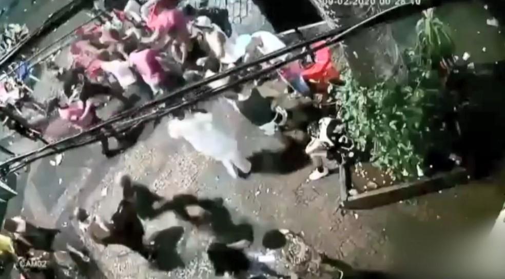 Bar divulgou imagens de briga que terminou em morte de jovem em Campinas (SP) — Foto: Reprodução/EPTV