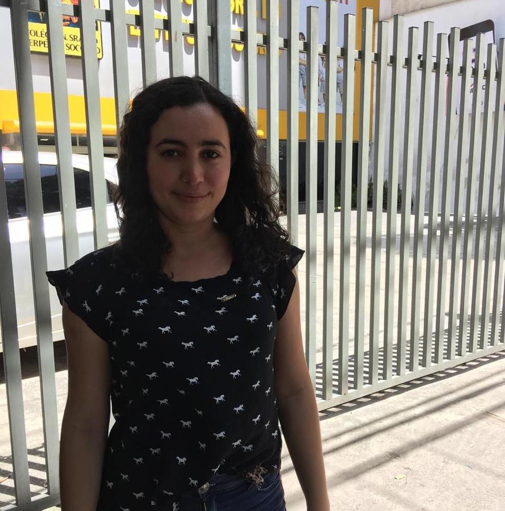 Enem 2018 - Domingo (4) - Belém (PA) - Estudante surda chega quatro horas antes da prova no colégio Nossa Senhora do Perpétuo Socorro, em Belém — Foto: Taymã Carneiro / G1