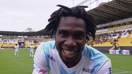 Saiu pro abraço: Negueba faz o primeiro gol com a camisa do Londrina