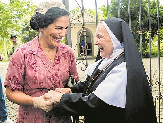 Gloria Pires e Nicette Bruno  em 'Éramos seis' (Foto: TV Globo/João Miguel Jr.)