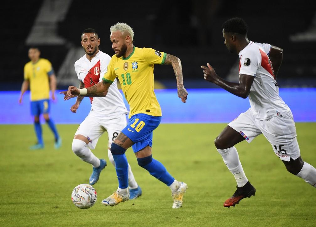 Neymar foi o destaque na goleada da Seleção por 4 a 0 sobre o Peru — Foto: André Durão