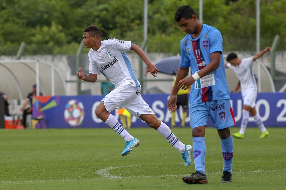 Diego Rosa é um dos promovidos para a transição — Foto: Guilherme Rodrigues/GR Press