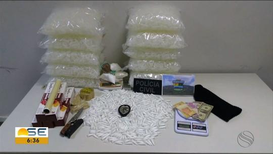 Polícia apreende suspeito com mais de  500 pinos com cocaína e 900g da droga em pó e pasta base