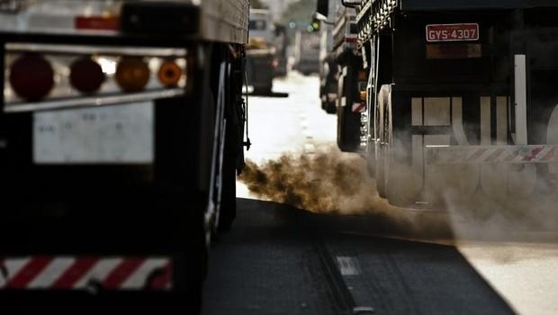 Emissão de CO2 ; gases de efeito estufa ; poluição no Brasil ; trânsito ;  (Foto: Arquivo/Agência Brasil)