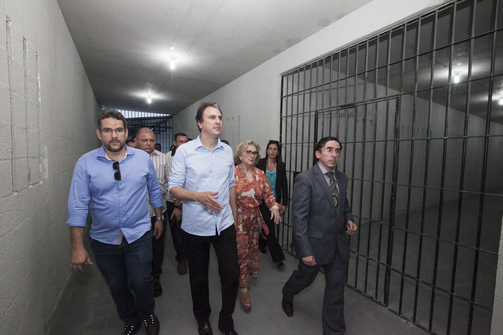 Presídio foi inaugurado no fim de 2017 com a presença do governador Camilo Santana (Foto: Governo do Estado/Divulgação)