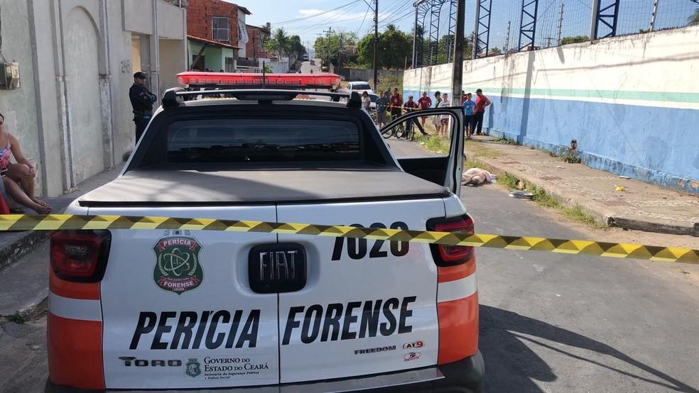 Homicídio ocorreu no início da tarde desta terça-feira (19), em Maracanaú, na Grande Fortaleza. — Foto: Paulo Sadat/Sistema Verdes Mares