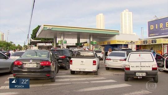 Gasolina chega a ser vendida a R$ 8,99 no Recife devido a desabastecimento de combustível