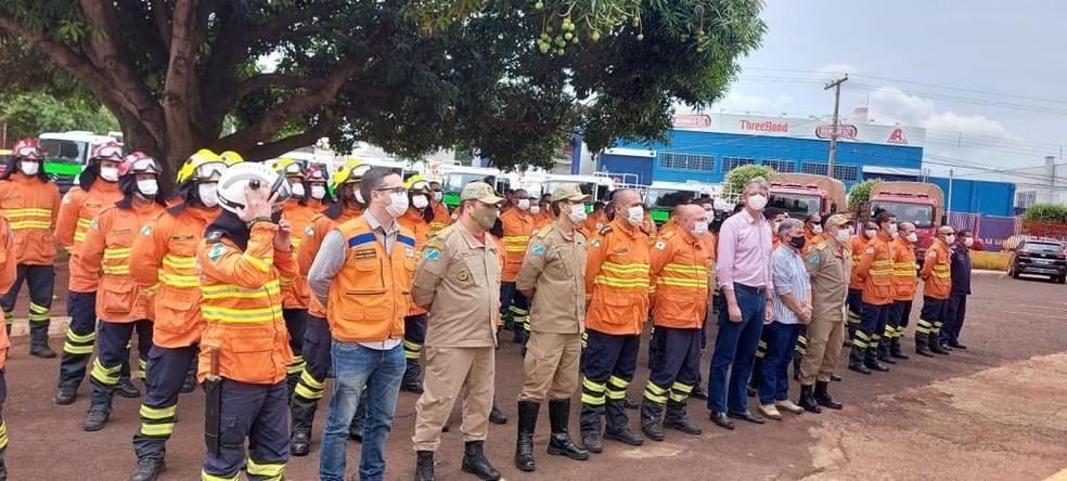 Bombeiros do DF foram enviados para combater incêndio no Pantanal — Foto: CBMDF/Divulgação