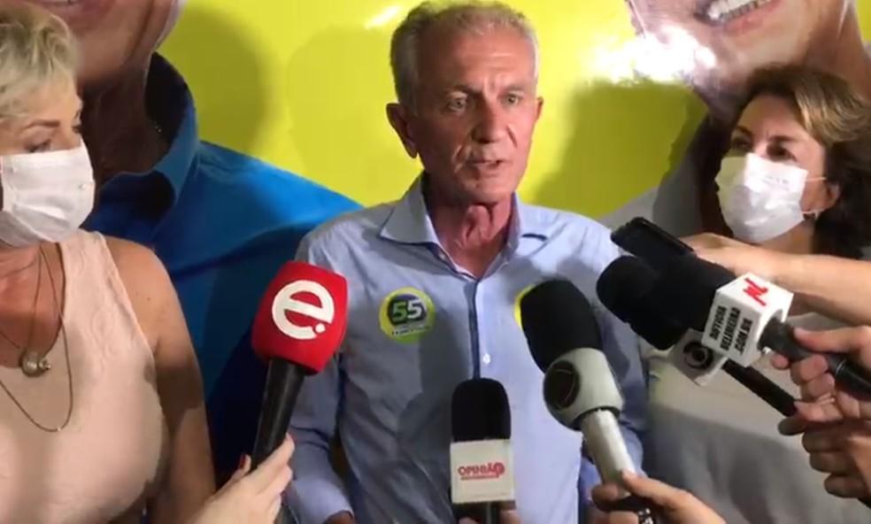Mario Botion durante entrevista coletiva em Limeira — Foto: João Baxega/ G1