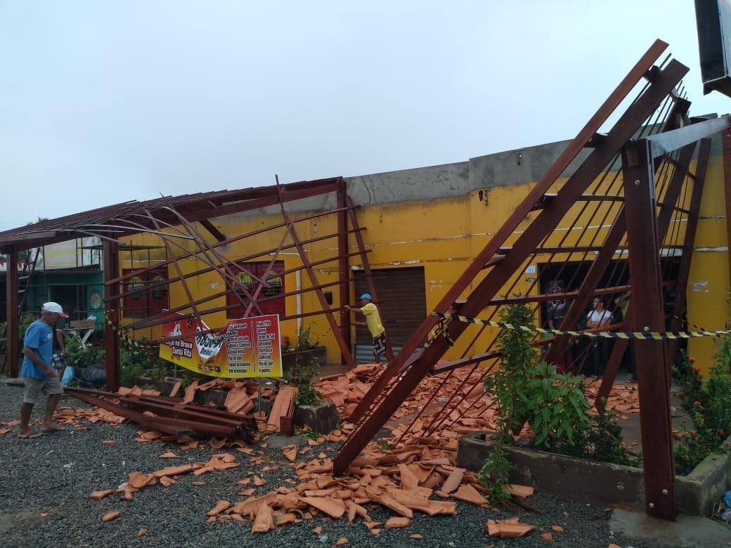 Telhado de restaurante desaba e deixa feridos em Marechal Deodoro, AL