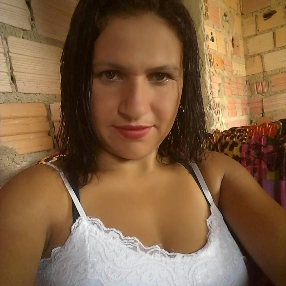 Marta Rodrigues Pereira foi morta em ataque a facão dentro de casa — Foto: Reprodução/Facebook