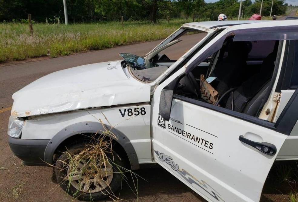 Com o impacto do capotamento, o motorista sofreu ferimentos e escoriações pelo corpo em São Carlos — Foto: ACidadeON/São Carlos