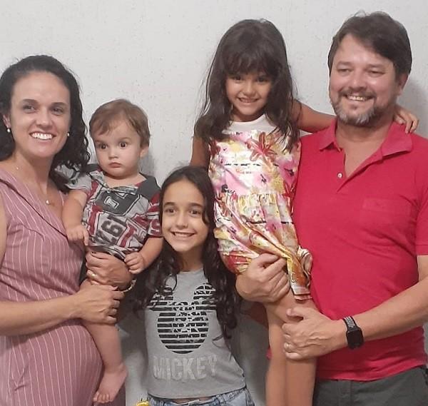 Amor, sorrisos e afeto: laços entre mães e filhos se fortalecem durante isolamento