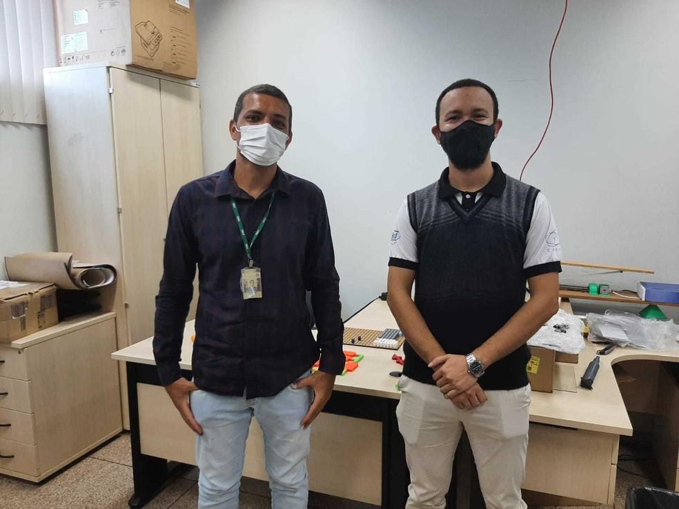 Professor Cléver Stein e professor Maicon Maciel. — Foto: Jaíne Quele Cruz/G1 RO