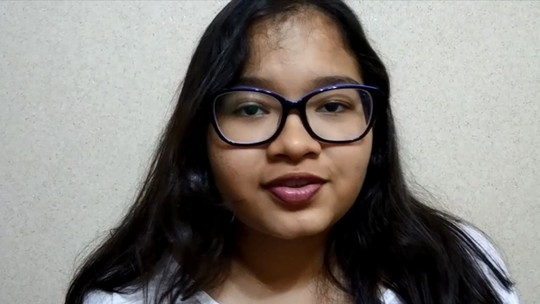Alline, vencedora do TQM, quer viajar o mundo e falar muitas línguas