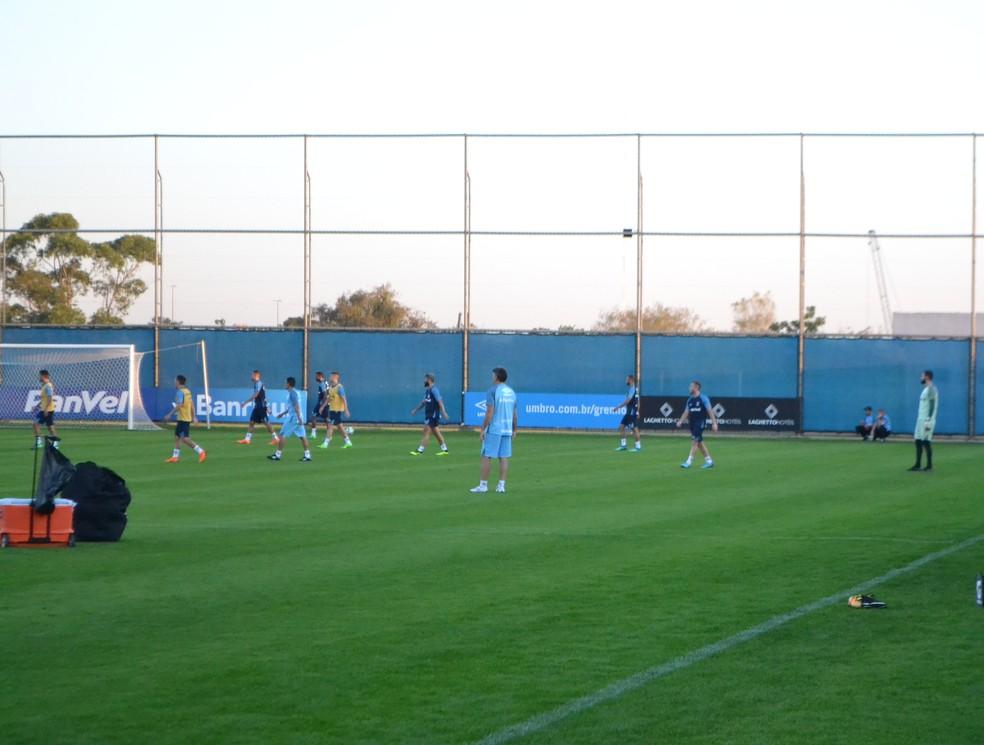 Grêmio treina no CT Luiz Carvalho, com o retorno de Arthur (Foto: Eduardo Deconto)