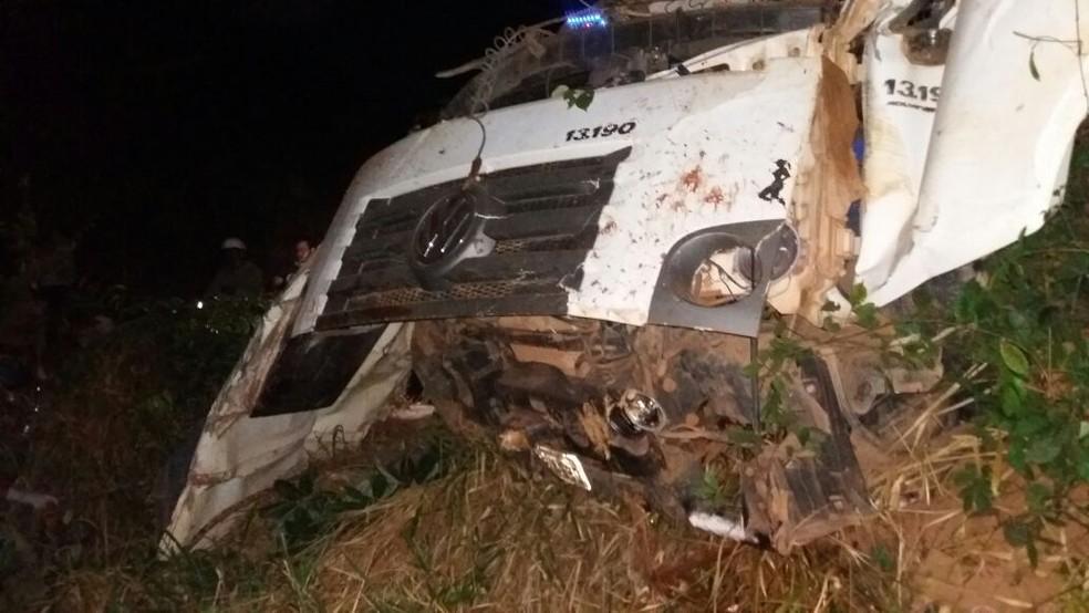 Acidente ocorreu na Serra de Deciolândia, em Tangará da Serra (Foto: Corpo de Bombeiros de MT/Divulgação)