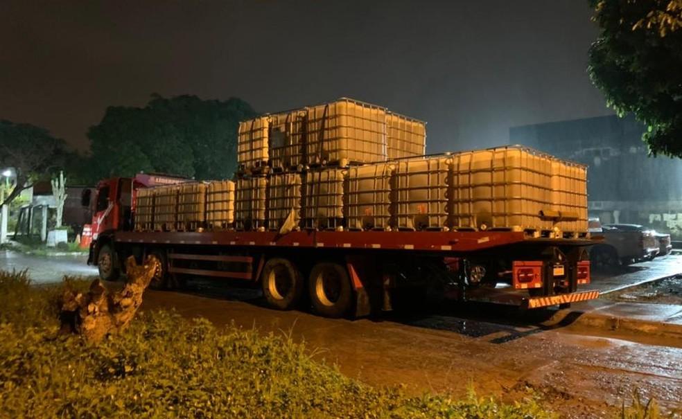 Carga com 41 mil litros de diesel foi recuperada em Feria de Santana, na Bahia  — Foto: Divulgação/Polícia Civil