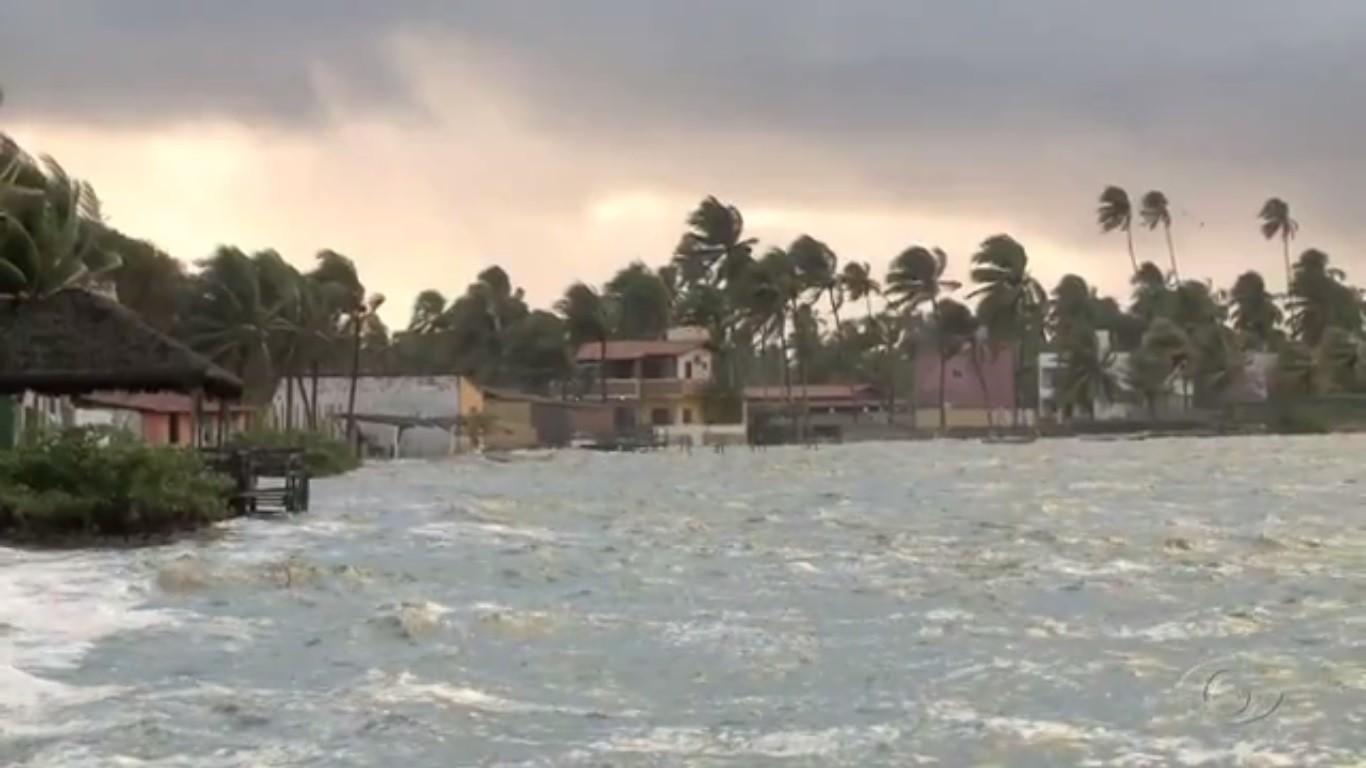 Marinha alerta para mar grosso e ressaca no mar de Alagoas no fim de semana - Notícias - Plantão Diário