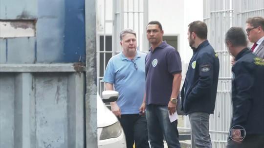 Ex-governadores do Rio, Rosinha e Anthony Garotinho saem da cadeia