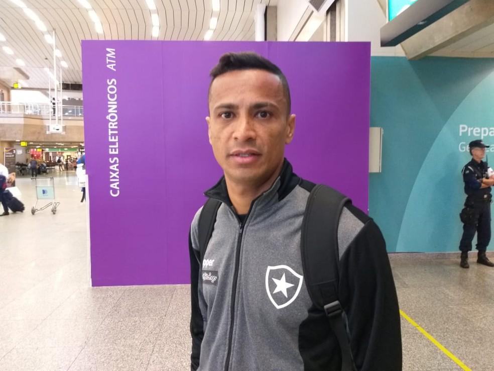 Após Vitória E Fim De Jejum Botafogo Desembarca Mais Leve