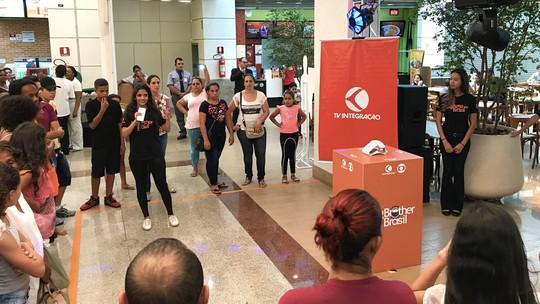 Big Fone toca e distribui prêmios em Uberaba