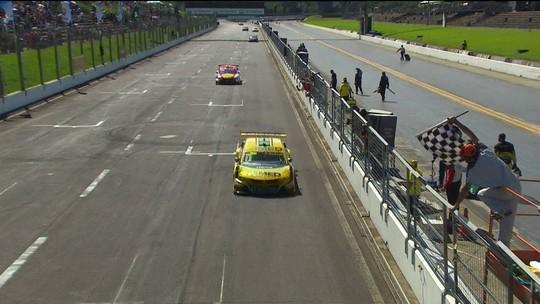 Cacá Bueno faz corrida quase perfeita e garante a ponta na primeira corrida no Velopark