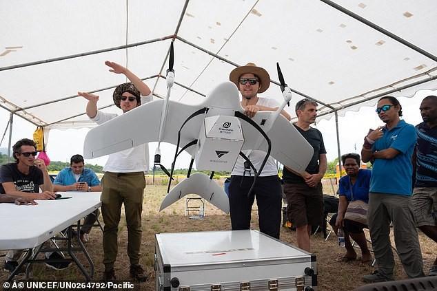 Imunização via drones comerciais em ilha do Pacífico Sul (Foto: reprodução Unicef)