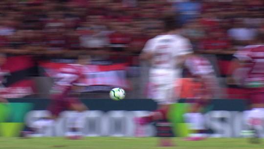 Análise: com estrelinha, cara e atitude de campeão, Flamengo que encanta é letal no Castelão