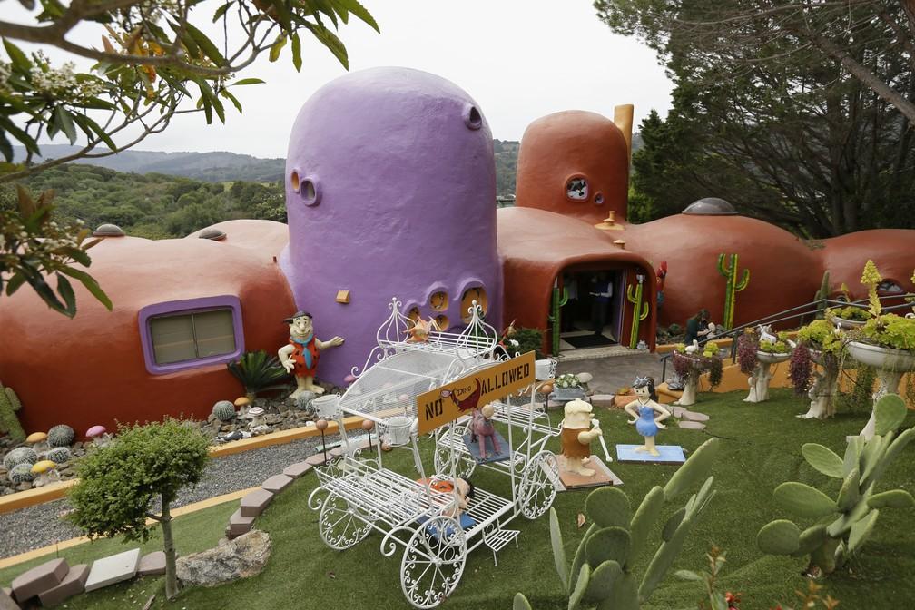 'Casa dos Flintstones', na Califórnia, está no centro de uma disputa judicial — Foto: Eric Risberg/AP Photo