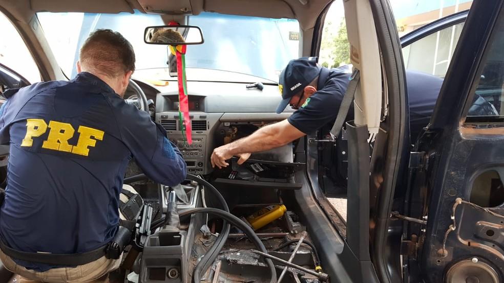 Argentina foi presa com mais de 100 kg de maconha em Seberi — Foto: PRF/divulgação