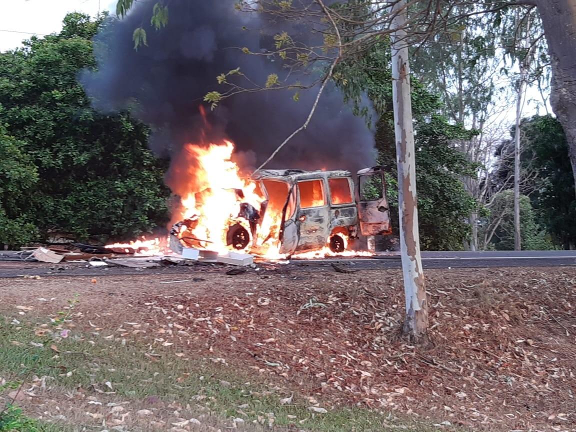 Veículo pega fogo após colisão e deixa mortos na BR-226 no Maranhão  - Notícias - Plantão Diário