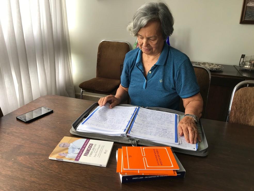 Aos 86 anos, Amélia concluiu curso de graduação em teologia (Foto: Marília Marques/G1)