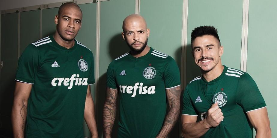 e1129aedd0 Escudo de volta, estrela mantida: veja a nova camisa do Palmeiras ...