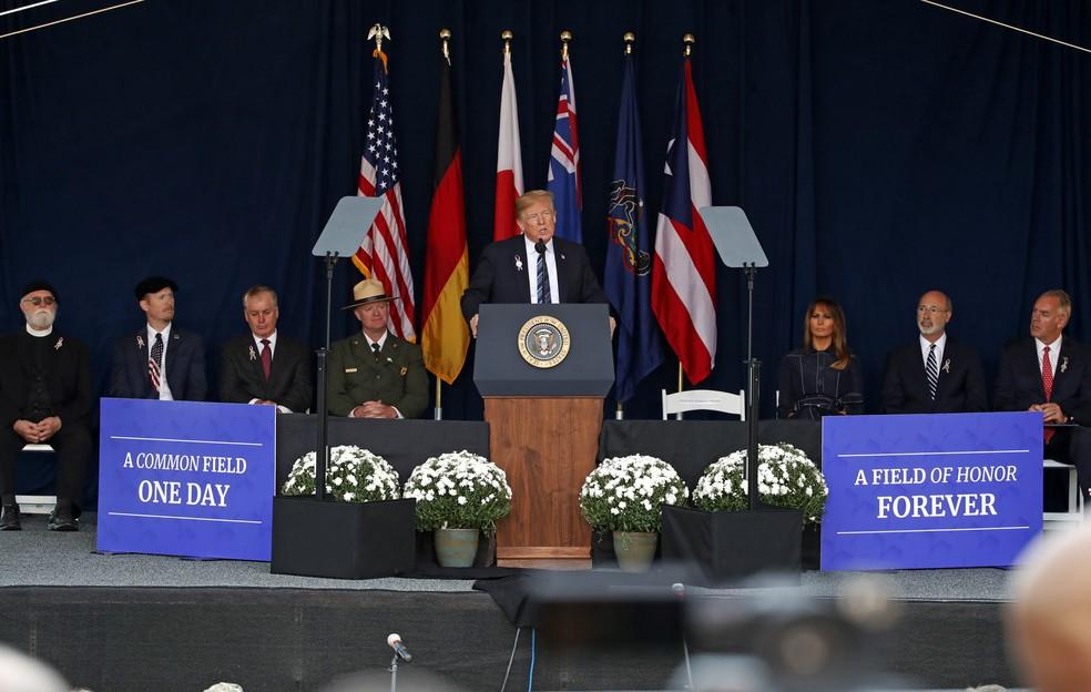 Trump fala em cerimônia em homenagem às vítimas do 11 de Setembro nesta terça-feira em Shanksville (Foto: Gene J. Puskar/AP Photo)