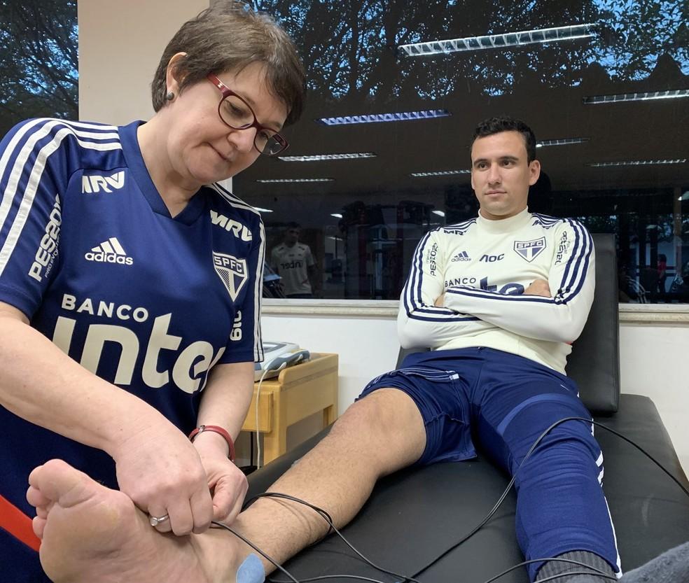 Pablo inicia tratamento no So Paulo aps leso no tornozelo  Foto rico Leonansaopaulofcnet