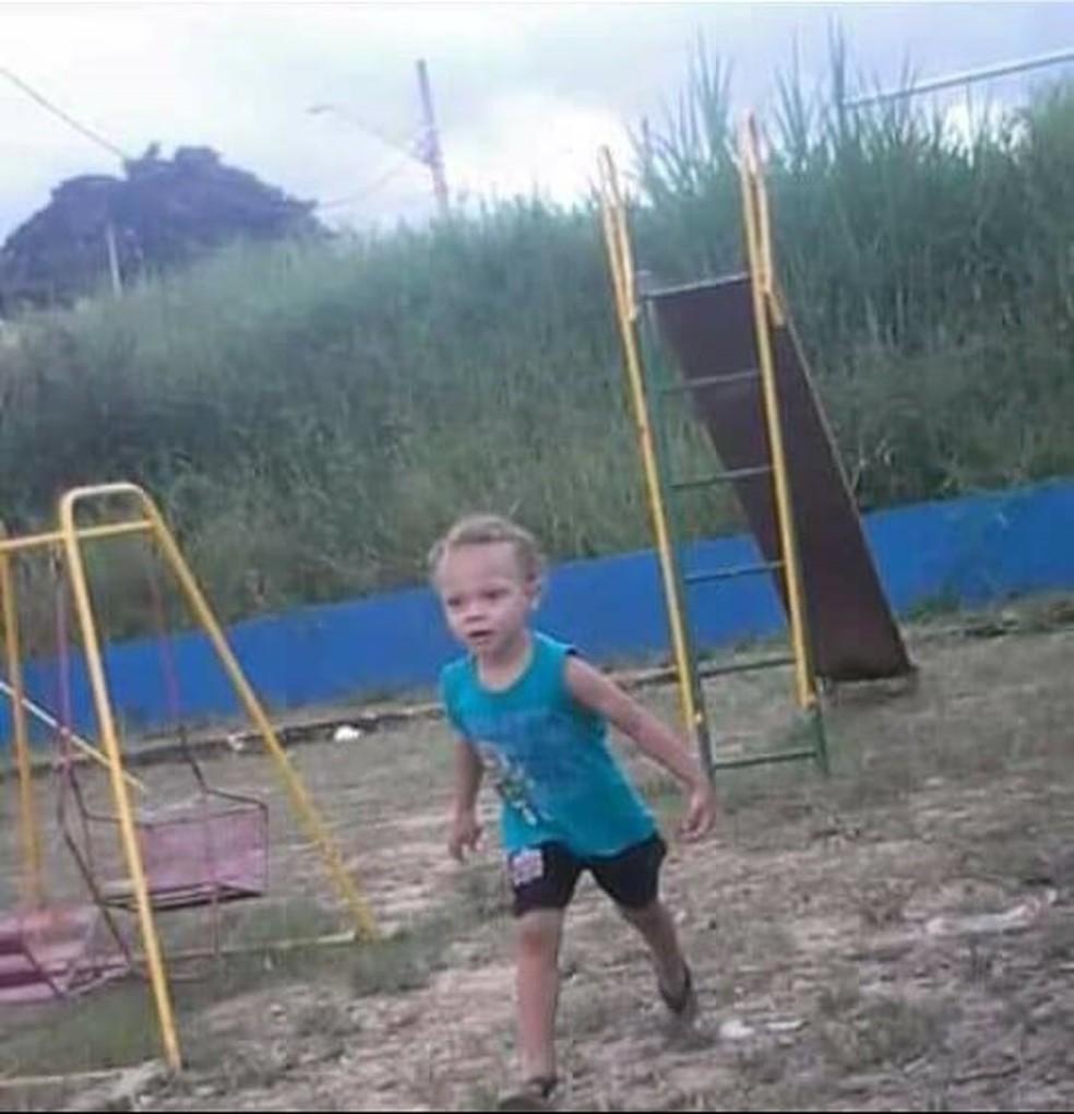 João Pedro tinha 3 anos e segundo a polícia foi morto por espancamento — Foto: Reprodução/Facebook