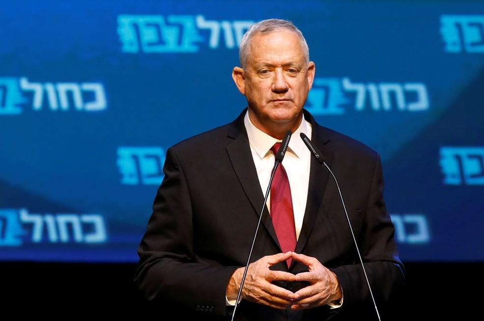 Benny Gantz, do partido Azul e Branco, durante discurso a correligionários após eleições em Israel — Foto: Amir Cohen/Reuters