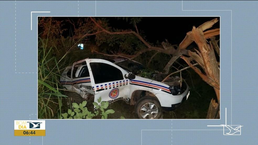 Policiais Militares ficam feridos em acidente com viatura na BR-222 — Foto: Reprodução/TV Mirante
