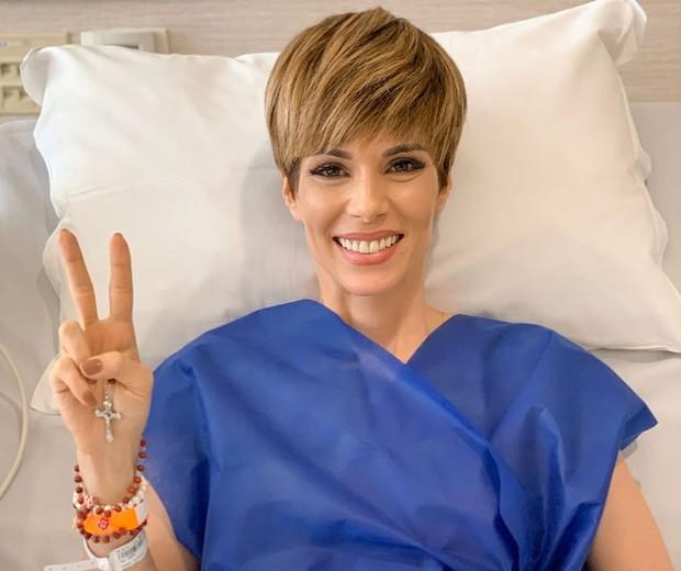 Resultado de imagem para Ana Furtado encerra tratamento contra câncer de mama