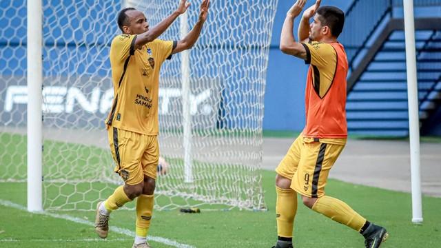 Amazonas venceu por 2 a 1.