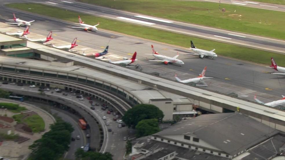 Aviões no aeroporto de Congonhas, em São Paulo (Foto: TV Globo/Reprodução)