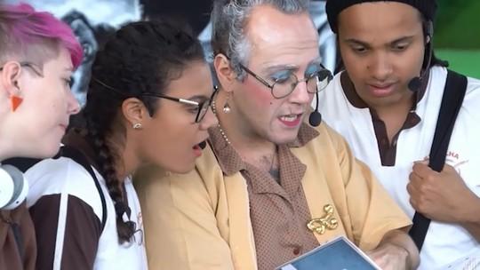 Grupo de teatro ajuda adolescentes no dilema profissional