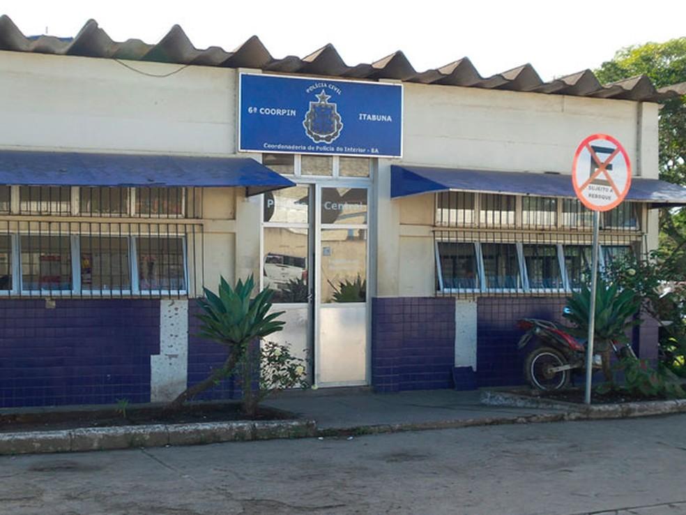 Coordenadora da Polícia Civil em Itabuna, para onde Pedro foi levado ao ser preso na cidade do sul da Bahia (Foto: Camila Anjos/TV Bahia)