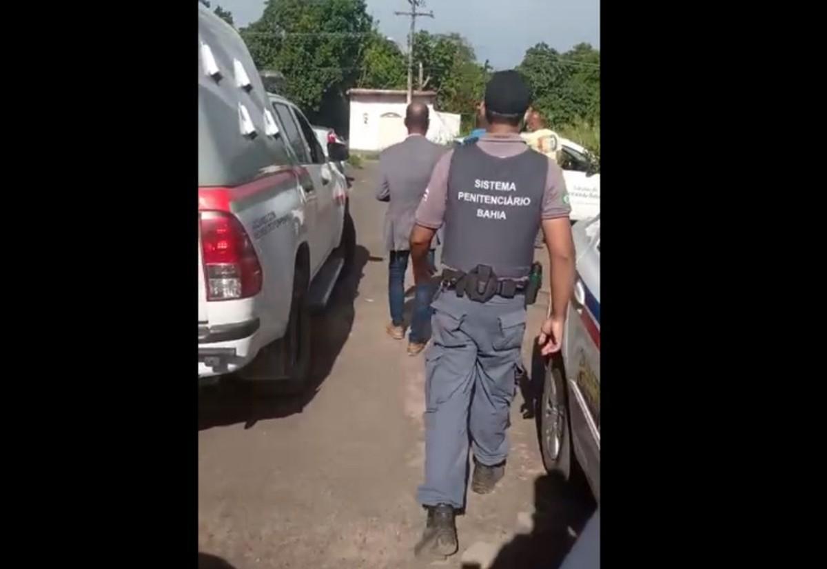 Advogado é preso ao tentar entrar com droga no Complexo Penitenciário da Mata Escura, em Salvador