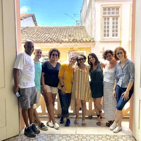 Maria Camargo, Ana Maria Gonçalves e a equipe de 'Um defeito de cor' (Foto: Arquivo pessoal)