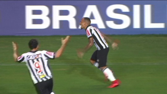 Otero, Thiago Neves e Diego Alves estão entre as melhores jogadas de 2017. Vote