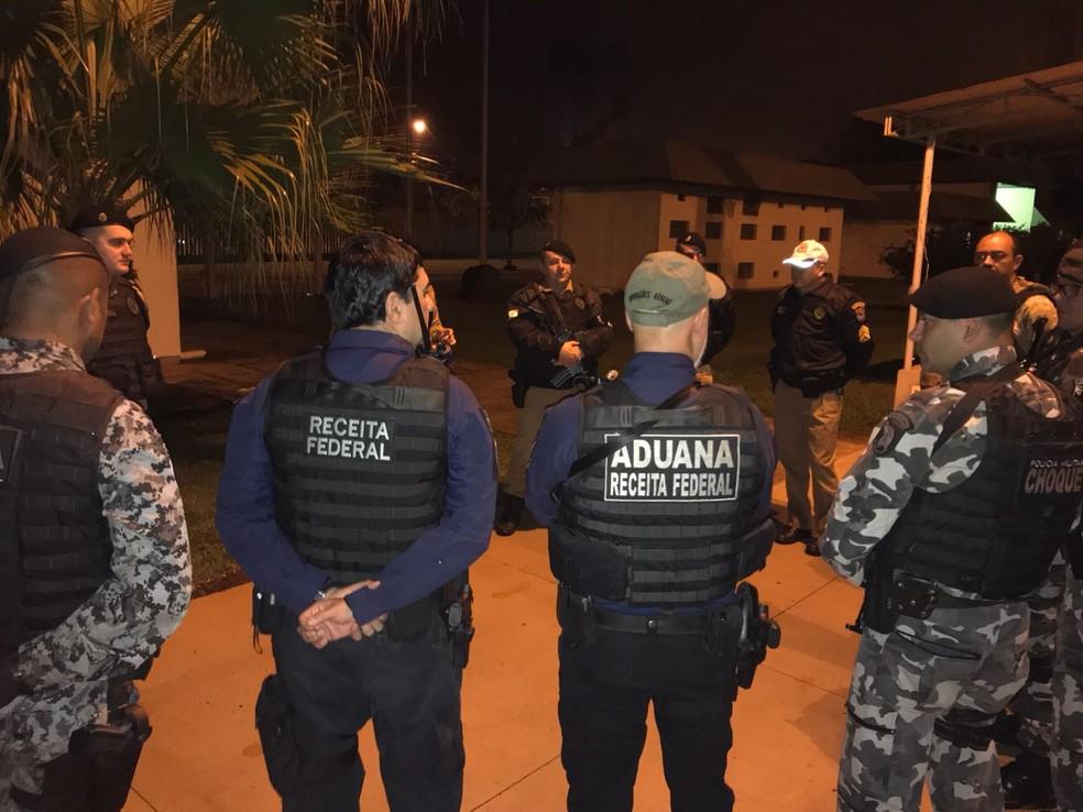 Ação combate os crimes na região da fronteira entre Paraná, Paraguai e Argentina (Foto: Marcos Landim/RPC)