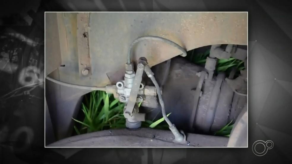 Motorista de ônibus que transportava trabalhadores disse à polícia que freio falhou; perícia não identificou problema — Foto: Reprodução/TV TEM