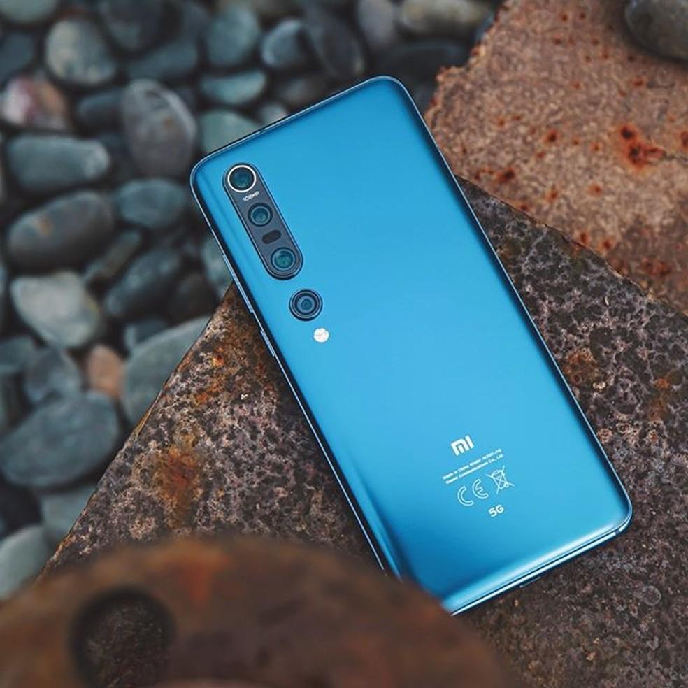 Xiaomi Mi 10 Pro vem nas cores branco pérola e azul estrelado — Foto: Divulgação/Xiaomi
